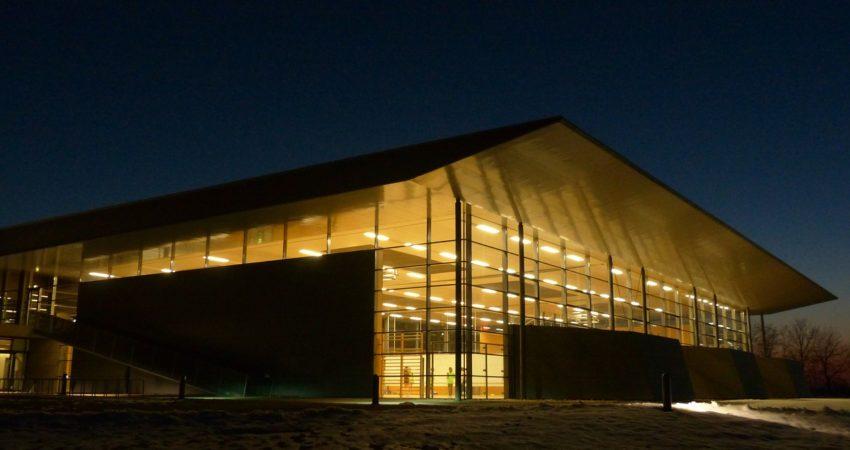 Oświetlenie obiektów sportowych- hal i boisk